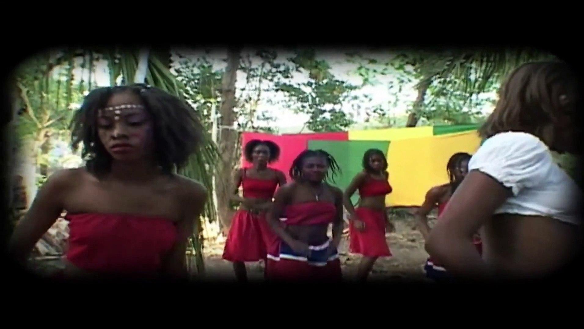 Boukman Eksperyans - Pa pranm pou Bèkèkè [Video Kanaval 2006]