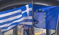 Grèce : Alexis Tsipras a-t-il finalement capitulé face à Bruxelles ?