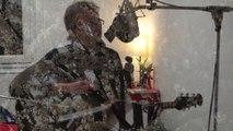 Dualiste Clip Video Musical La Fin de l'Hiver Morceau Titre de l'Album Chants Intimes pour Ours Polaires Groupe Duo Compositions Chansons Françaises Ballades Intimistes Musique Pop Rock French Blues Asian Jazz Piano Voix Guitare Brunoy Essonne Paris