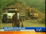 Poblaciones están aisladas por colapso de puente sobre el río Negro