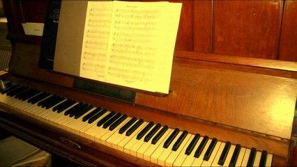 ERNST WIRD HEITER (Klavier, Solo)