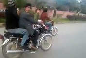A very very dangrous bike stant - pakistani top wheeler boys - hdentertainment
