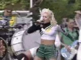 Gwen Stefani - Ellen Live Hollaback Girl