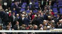 Deputados alemães aprovam estender ajuda à Grécia