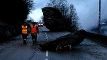 Savoie: d'énormes rochers bloquent la route des Ménuires et de Val Thorens