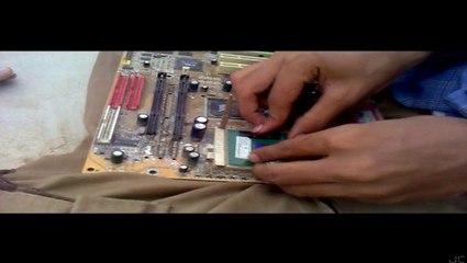 Gul Khan Aur Esa Khan - S3 E6 - Gul the Mechanic 2