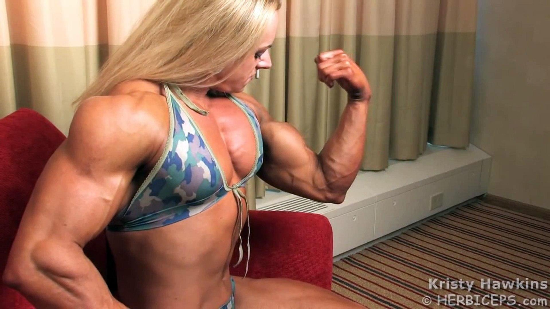 KRISTY HAWKINS - FLEXING UNBELIEVABLE ARMS - Female Bodybuilding Muscle  Fitness