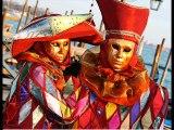 Belle sélection de masques  et costumes vénitiens