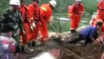 CCTV shows moment China quake struck - BBC News