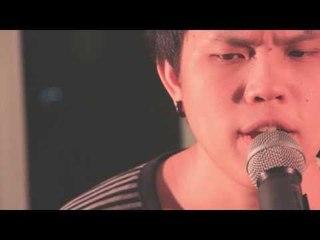 รักไม่มีเหตุผล-CHICKENWINGS Official MV