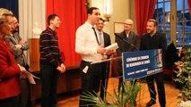 Beauvais de l'année 2014 : le gagnant de l'année Oltys remet un ipad au vainqueur 2014, Alain Cornelis