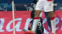 Cavani coloca o PSG na semifinal da Copa da França!