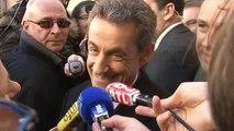 """Sarkozy s'offre un bain de foule: """"C'est un rajeunissement"""""""