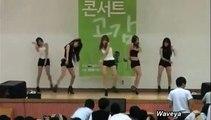 L'étrange réaction de  gros geek chinois face à des danseuses sexy