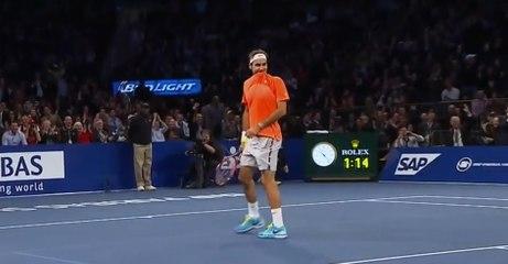 Un jeune fan réalise un superbe point face à Roger Federer