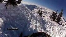 Sport de dingue ! Il saute d'une falaise en moto neige !