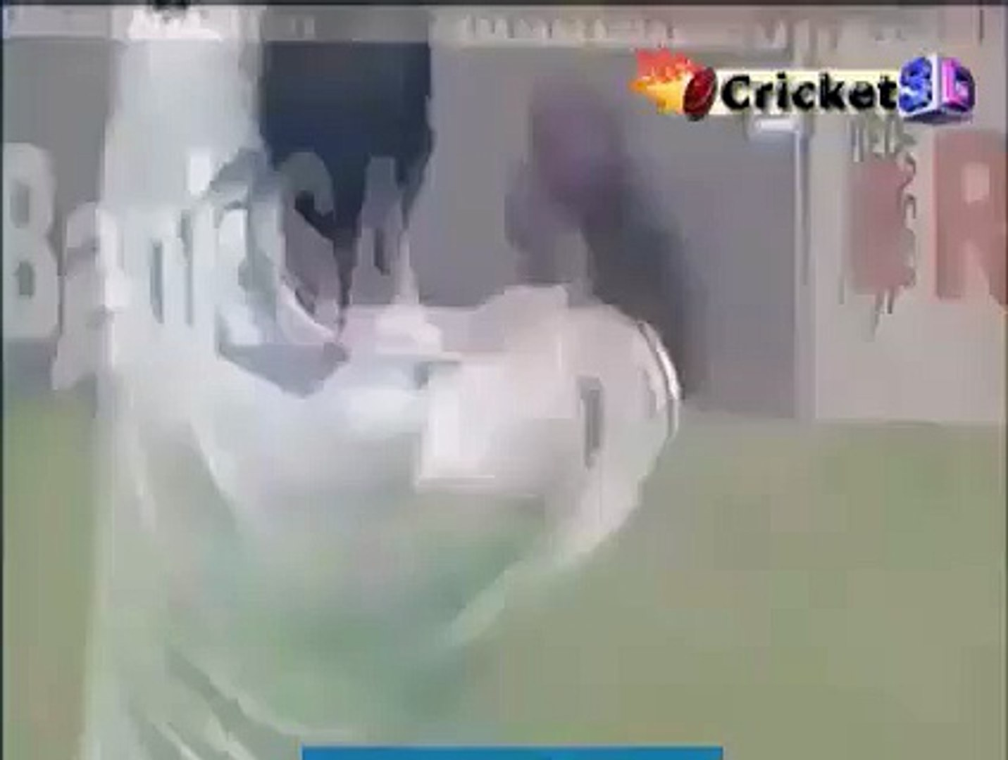 Classic Great Catch - Andrew Strauss takes a Brilliant Catch
