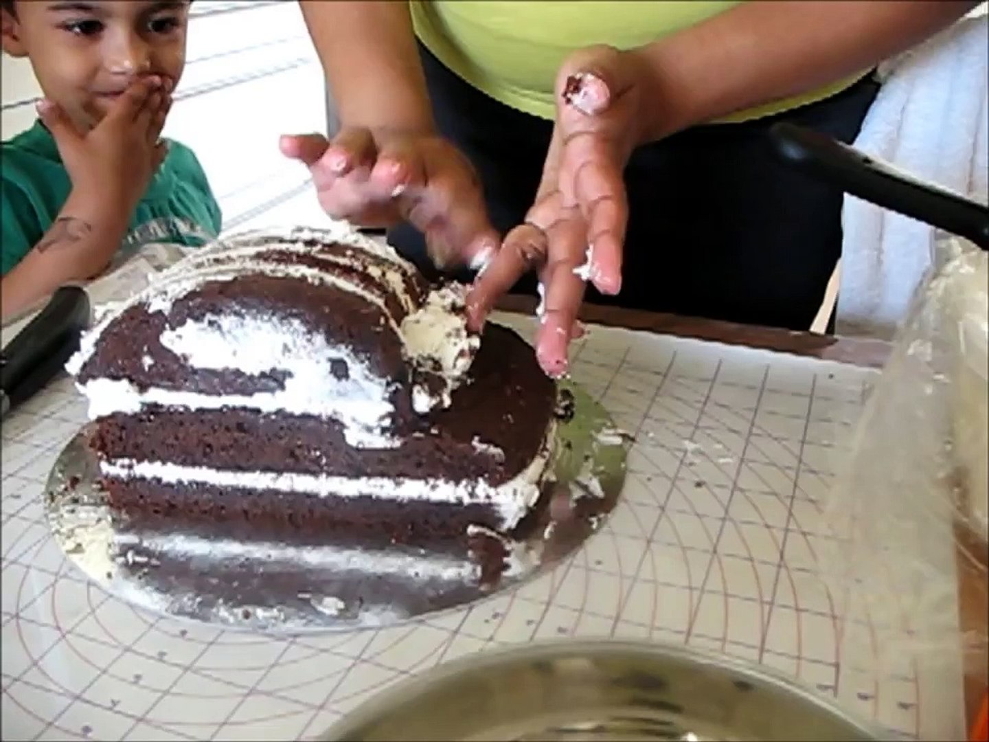 Decorating A Cake Car Cake Video Dailymotion