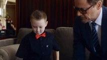 INSOLITE - Iron Man Robert Downey Jr. donne un bras bionique à un enfant handicapé