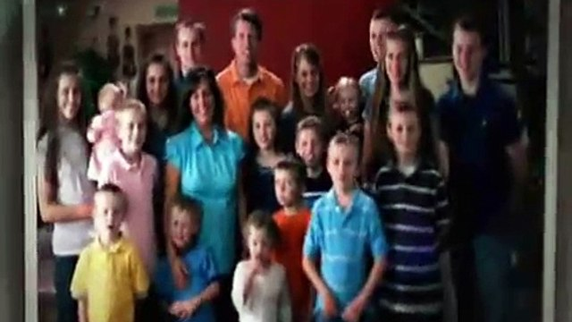 19 Kids and Counting - Josie Duggar's First Shoes (1 of 3)