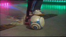 Soccer Kings #1 - Dribbles et feintes - Regarde, apprends et maîtrise les dribbles, passements de jambes, feintes... pour éliminer vos adversaires