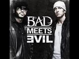 Bad Meets Evil - A Kiss - LYRICS on screen