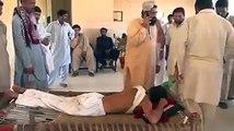 Dekhiye Yeh Jaali Peer Kya Kar Raha Hai, Leaked Video of Fake Peer From Sindh