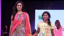 Rashmi Desai Walks The Ramp @ Smile Foundation's Charity Fashion Show