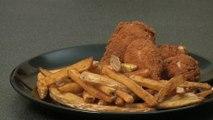 Recette des pilons en croûte d'ail et frites maison - Gourmand