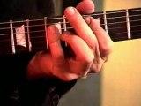 La guitare selon Billy Gibbons - Cette vidéo est une longue étude du style et du jeu remarquable d'un des plus grands guitaristes du blues texan de tous les temps, en l'occurrence Billy Gibbons.