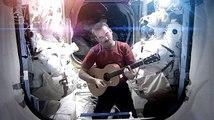 Astronauta dice adiós a estación espacial con video musical