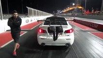 Pendant une course de Dragster, une voiture va littéralement s'envoler !