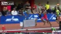 Une femme percutée par des coureurs de 800m à pleine vitesse : violent!