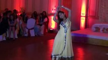 Chamak Chalo Chaiin Chabili - Beauty Dance On Wedding