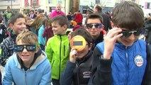 Gap: des jeunes de Fontreyne très heureux de voir l'éclipse depuis la place de la Répu'