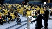 """خلال العام الفين و خمسة عشر المفوضية ستضع بتصرف اليونان """"ملياري يورو""""."""