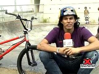 Daniel Dhers en el el parque extremo de Chacao en Caracas. 12/01/2014
