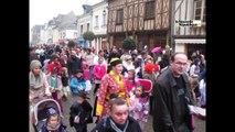 VIDEO. Carnaval des écoles à Amboise