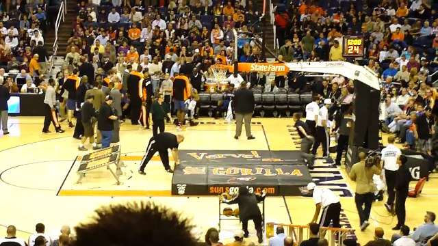 Guy dunks himself through Basketball Hoop, Phoenix Suns Gorilla (Original) Boy gets dunked