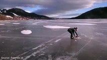 Faire du patin à glace sur un lac gelé tracté par une tronçonneuse ... NORMAL !