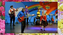 The Wiggles Monkey Dance - The Wiggles Performance