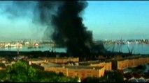 Brasile - Incendiati i carri del Carnevale di Rio
