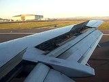 United Airlines Flight 737 landing - Last Boeing 737 flight