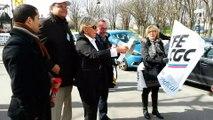 La Marseillaise revisitée par les salariés de Pitney Bowes en lutte contre les licenciements boursiers imposés par les actionnaires