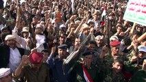 Yémen : manifestation houthiste à Sanaa contre les frappes aériennes