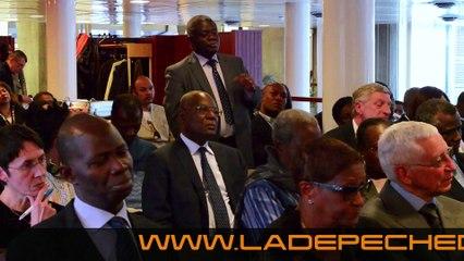 SÉANCE DE DÉDICACE DE L'ALPHABET DE LA DANSE AFRICAINE