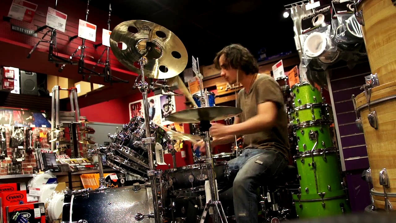 Drums@Guitar Center on a beautiful Pearl kit w/ Sabian & Zildjian cymbals like heaven