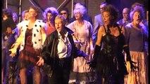 Street life and englishman in NewYork Chorusline Soest
