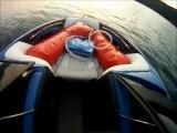 Un gars surf derrière un bateau sans chauffeur : Ghost Surfing