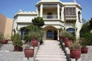 Lowest Price for  Luxurious 4 Beds Plus Maid Central Rotunda Villa in The Palm Jumeirah Frond O